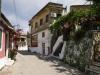 Korfu, Bergdorf mit typischen engen Gassen