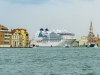 Bedauerlich das hier Ozeanriese hineinfahren dürfen. Venedig