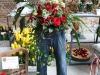 Blumenkunst mit einer Jeans in Szene gesetzt