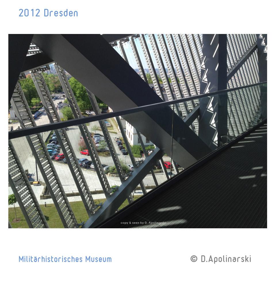 Dresden_Militaerhistorisches_Museum_blick_nach_aussen
