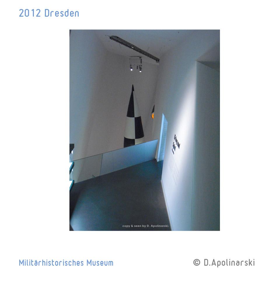 Dresden_Militaerhistorisches_Museum_raketenspitze